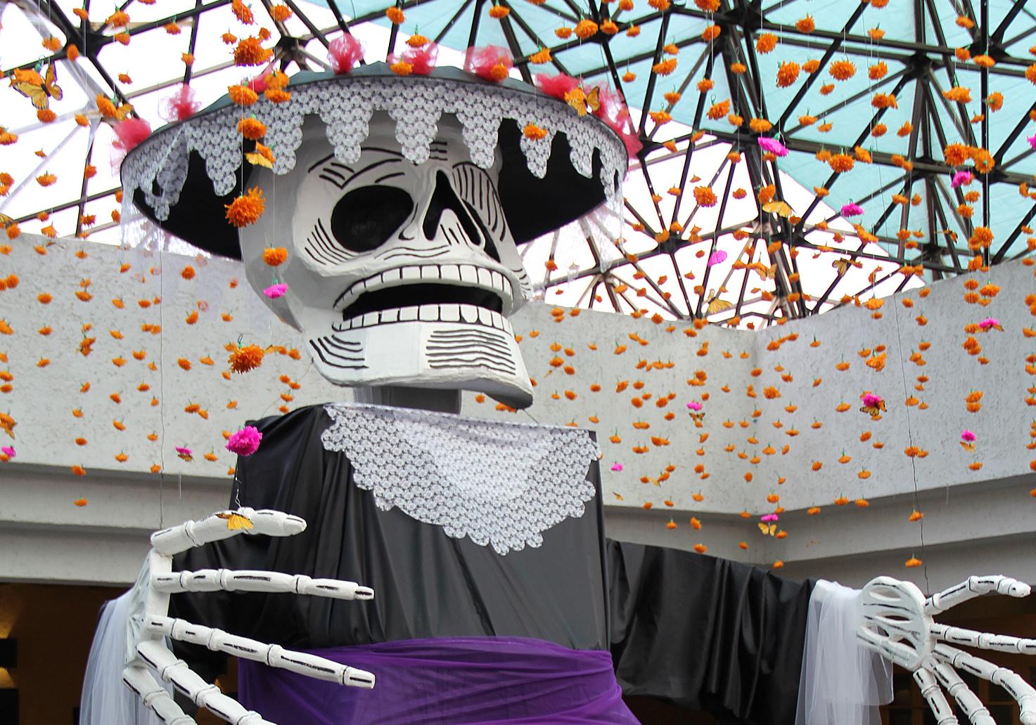 Decoración temática con motivo del Día de los Muertos